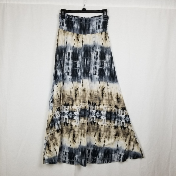 Joe B Dresses & Skirts - JOE B. MAXI SKIRT SIZE LARGE